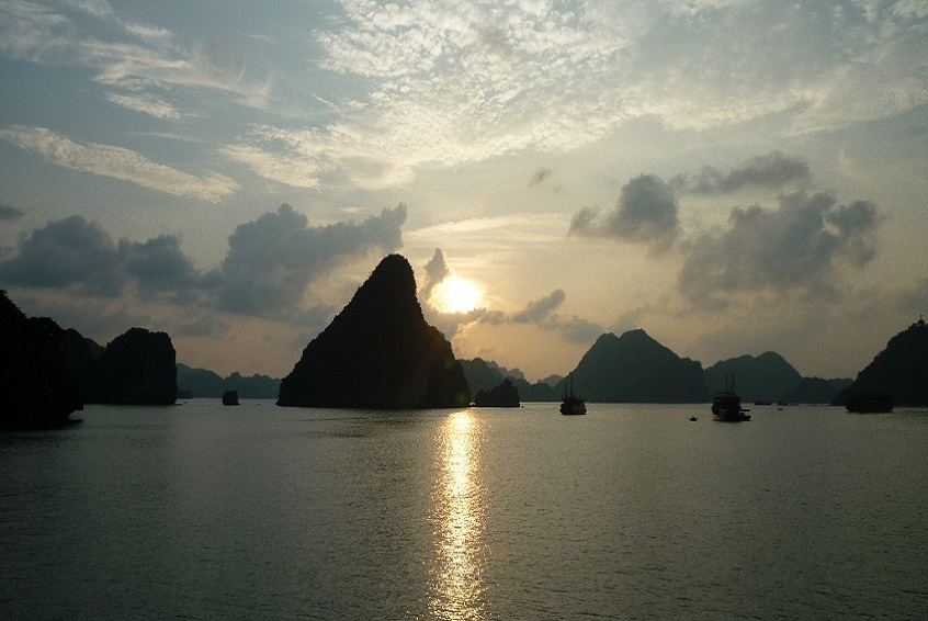 Ha-Long-Bay-10