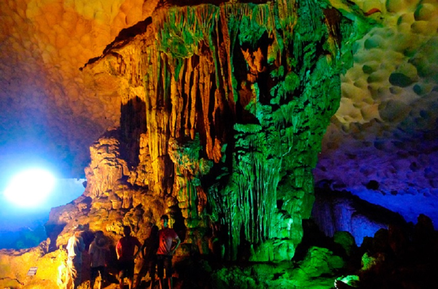 Sung-Sot-Cave-2